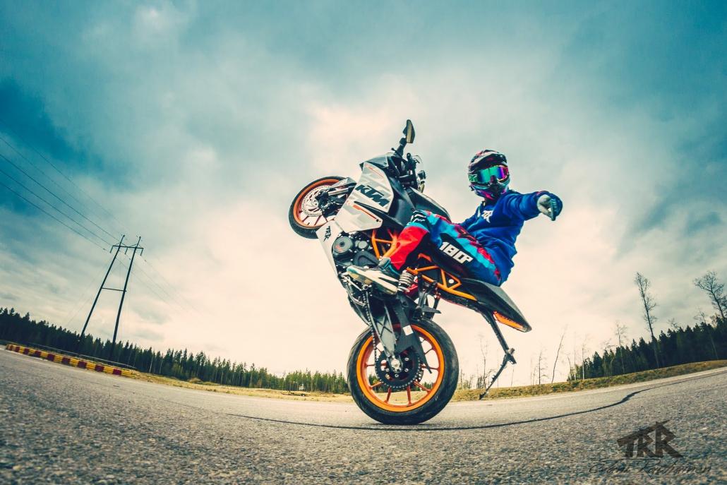 Jaunas riepas šosejas motocikliem